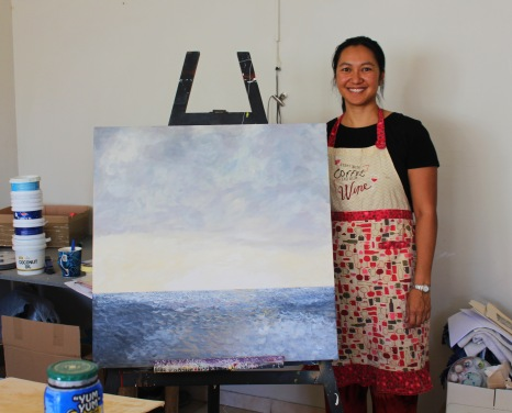 Workshop 2016 in Kirsten Wechslbergers Art Studio in Windhoek. Cherry with her painting.